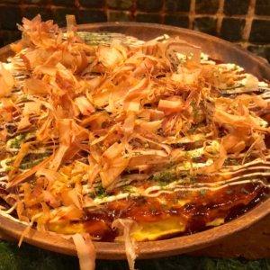 大阪でグルテンフリーの絶品米粉お好み焼き(北新地・志やり)