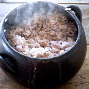 フッ素コーティングなしの炊飯器の値段は? 土鍋との値段を比較